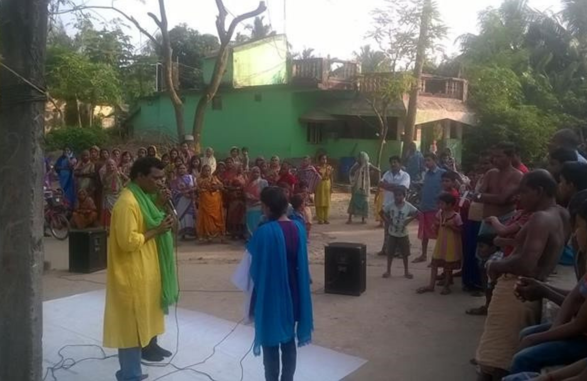 "A ""Nukkad Natak"" (road show) going on in the village to generate awareness on accessing HIV testing and the issues relating to PMTCT. Plan India-Ahana Project"
