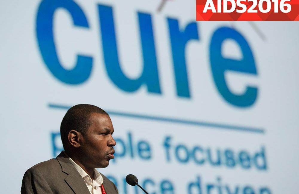 Intalnirea femeii HIV- pozitive)